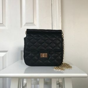 Forever 21 Black Gold Chain Quilted Purse